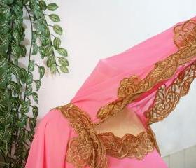 Cute Pink Moroccan Caftan Hoodie Sheer Chiffon Fancy FULL Gold Embroidery Abaya Dubai Maxi Dress farasha Hijab Style Jalabiya for women